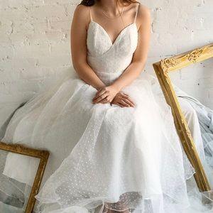 Bariano Lauvia Swiss Dot Wedding Dress, size 6